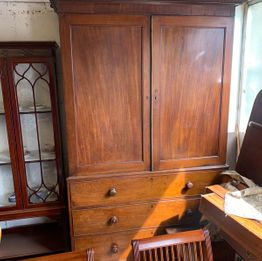 Victorian Mahogony Linen Press complete with trays